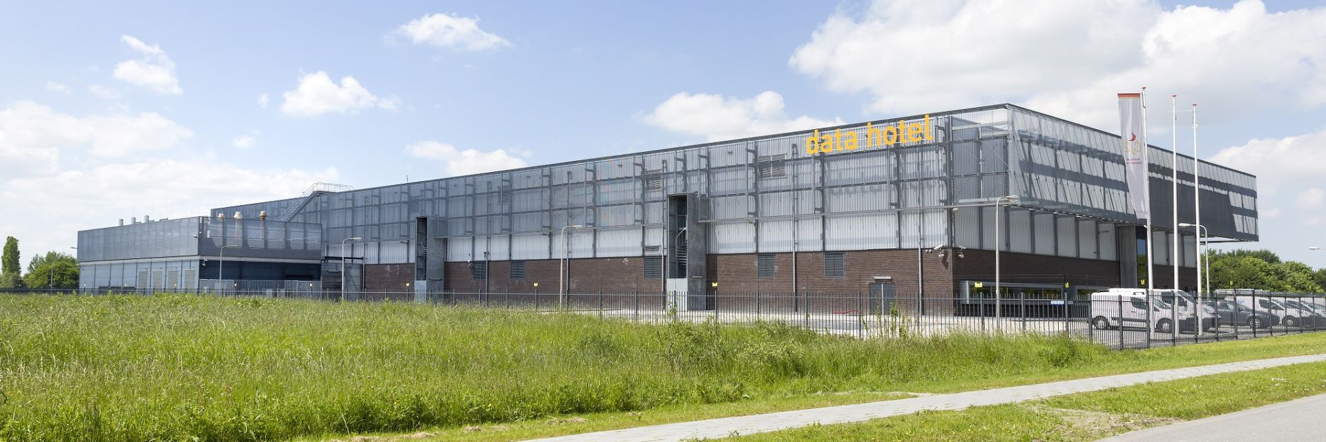 American QTS buys data centers on Zernike Campus and in Eemshaven